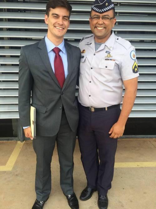 Dr. Victor Minervino e Aderivaldo Cardoso após julgamento na Auditoria Militar.